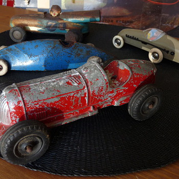 Collection of Vintage Tin, Pressed Steel, & Diecast Racers - Model Cars