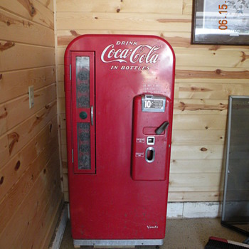 Vendo Coca-Cola 10 Cent Machine