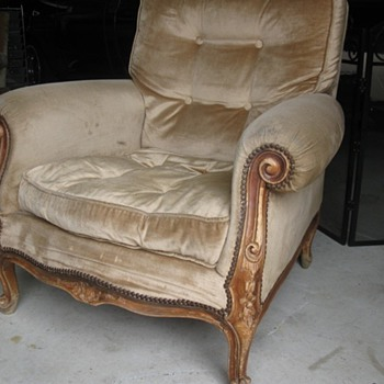 pair of old lounge chairs - Furniture