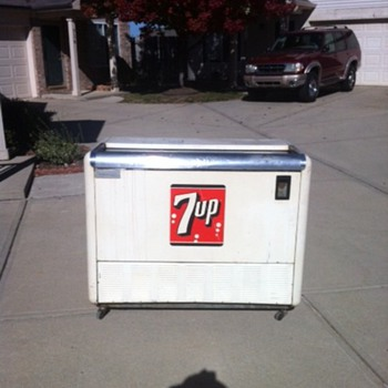 7up Tru MFG Ice Chest - Advertising