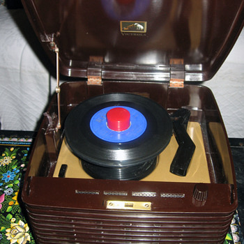 1954 RCA Victor 45EY3 - Records