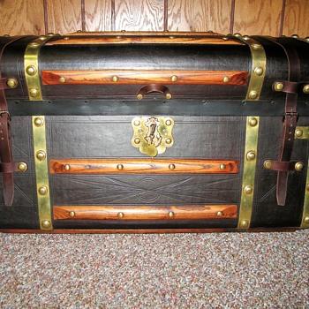 Jenny Lind trunk