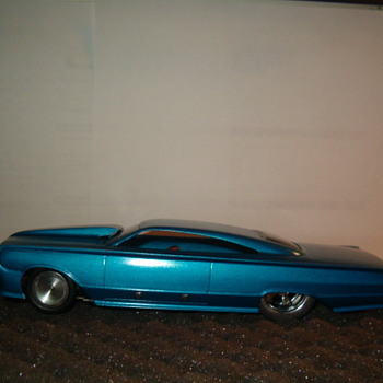 MERCURY MAURADER 1/24TH SCALE AMT CHASSIS