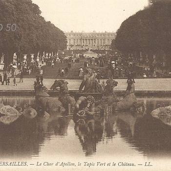 VERSAILLES – LE CHAR D'APOLLON, LE TAPIS VERT ET LE CHÂTEAU