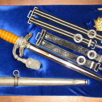 TENO Dagger and Hangers - Military and Wartime