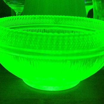 Deco Vaseline glass bowl