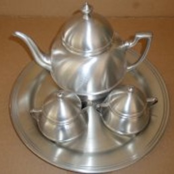 colonial pewter boardman 306 T teapot