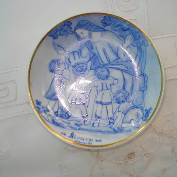 An Argentine Verbano hand painted small dish - China and Dinnerware