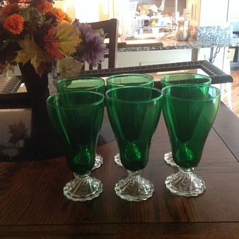 6 green 12 oz. parfait glasses