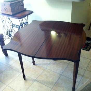 Gaming table - Furniture