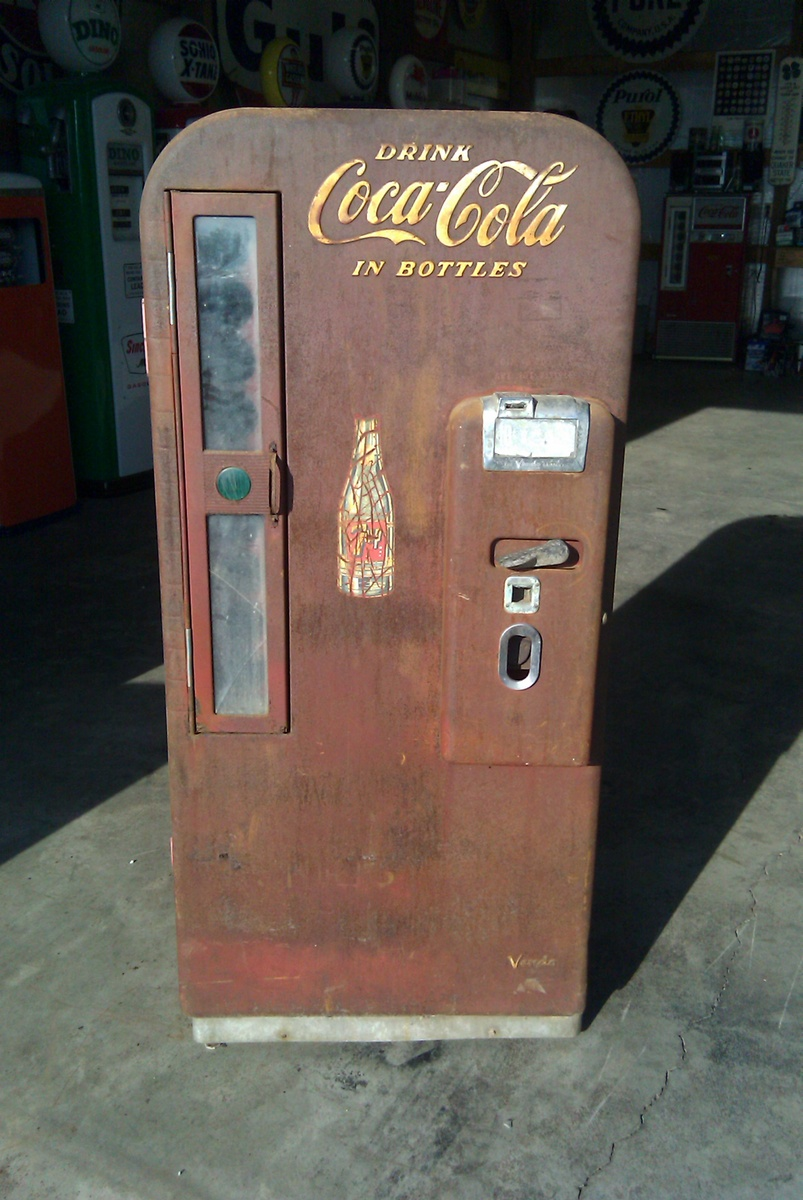 Coca Cola Vendo 81 http://www.collectorsweekly.com/stories/228-coca ...