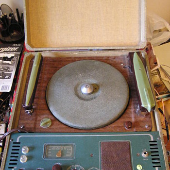 Airline Record Player / Recorder / PA / AM Radio - Radios