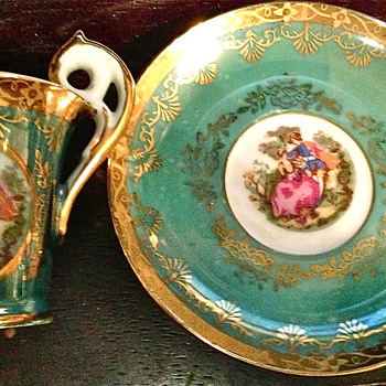 Lovely little vintage  teacup and saucer  