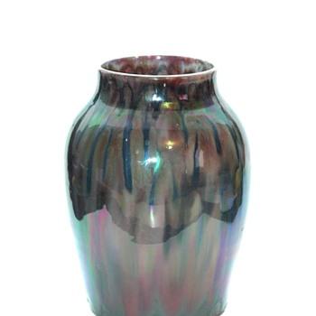 a rare lustre pottery vase by LEON ELCHINGER circa 1920 - Art Deco