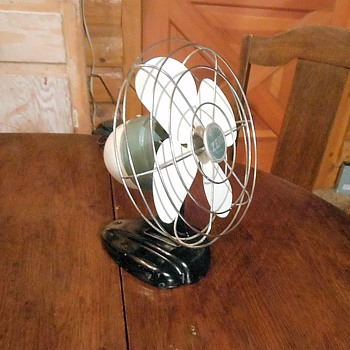 "Zero Model 1250R 8"" Desk Fan  - Tools and Hardware"