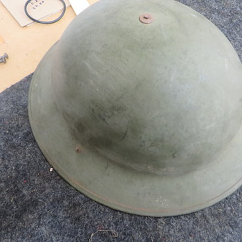 Unidentified Brodie type helmet