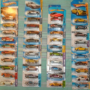 Hot Wheels Mustangs another 41