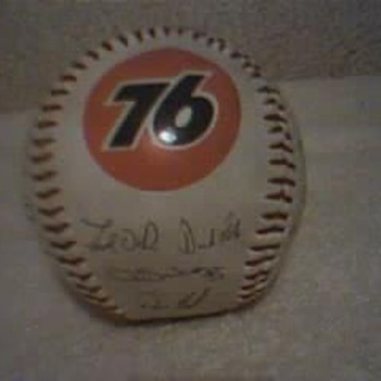 Collectible 76 Cubs Baseball. - Baseball