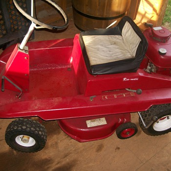 Cool lawnmower purcheased at antique auction - Tractors