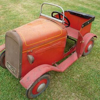 1940s Tri-ang Minx Pedal Car
