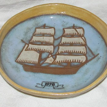 pottery bowl with ship signed 1978 - Art Pottery