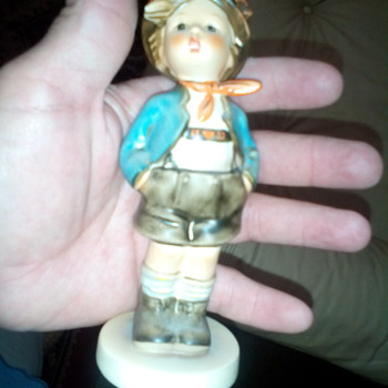 Vintage Hummel Figurine