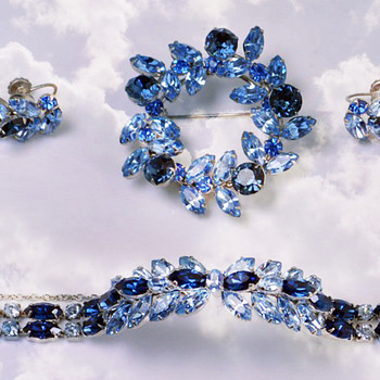 Vintage Signed SHERMAN Rhinestones Demi Parure Set of BLUE BROOCH, SEMI RIGID BRACELET,& EARRINGS - Art Deco