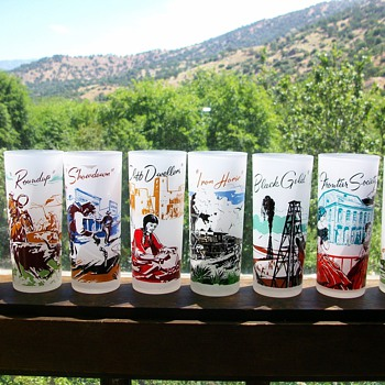 Western-themed collectible frosted glassware w/tray - Glassware