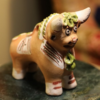 Terracotta Pucara Bull from Peru - Figurines