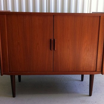     *  Mid-Century Teak Media Stand