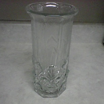 FIDENZA ITALIAN GLASS VASE