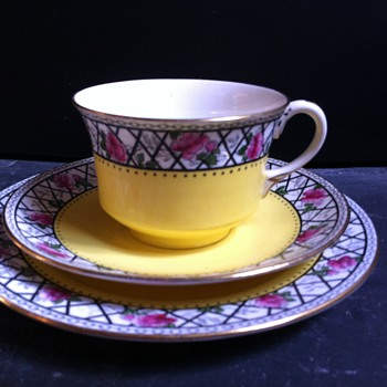 Unknown pattern name. - China and Dinnerware