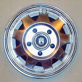 VW Vanagon Hubcap - Classic Cars