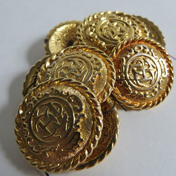 Heavy Goldtone Buttons with 'J C H' Monogram,....Recognize the Logo? - Sewing