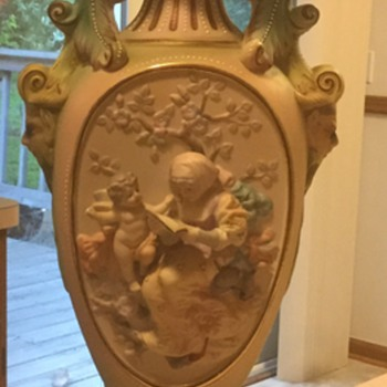 Bas Relief lamp with cherubs