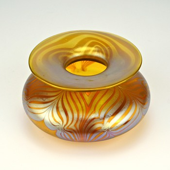 LOETZ  PHANOMEN GENRE 202 VASE. - SIGNED - Art Glass