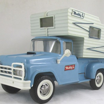 Buddy L Truck Camper - Model Cars