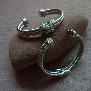 Magnetic Bangle Jewelry - Costume Jewelry