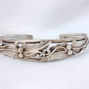 Leaf and Berry Silver Bracelet