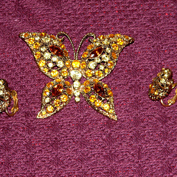 Butterfly Brooch and Earring set.... - Costume Jewelry