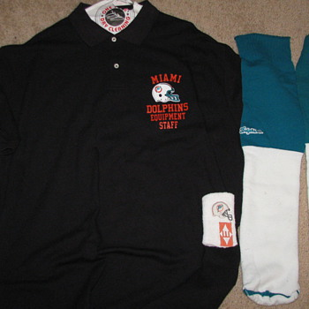 Miami Dolphins Equipment Staff Shirt & Dan Marino Game Socks & Sweat Band - Football