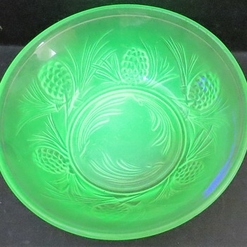 Jobling Glass Fircone (5000 pattern) Uranium Glass Bowl