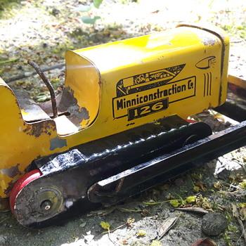 Minnicontruction 126 Bulldozer