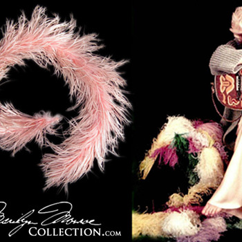 Marilyn Monroe's Personal Pink Ostrich Feather Boa - Accessories