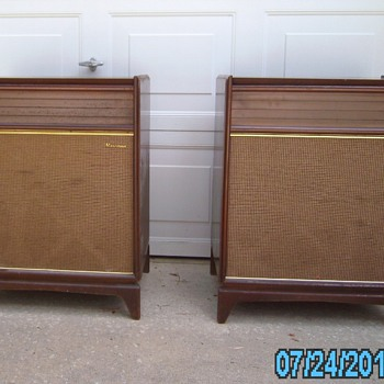 Magnavox Vintage stereo Model 1SR281F