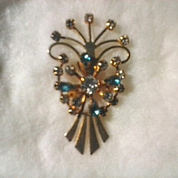 Gold Tone Rhinestone Brooch-Pendant /Unknown Maker/Circa 20th Century
