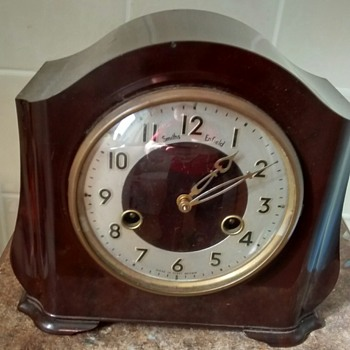Smith Enfield Bakelite mantle clock