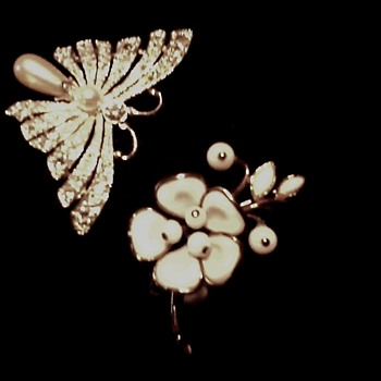 "Crown Trifari ""Alfred Phillippe"" Poured Milk Glass Floral Brooch /Faux Pearl and Rhinestone Butterfly /Circa 20th Century"