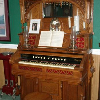1896 Hamilton Pump Organ