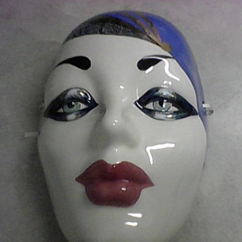 BERNICE A HOROWITZ MASK - Art Pottery